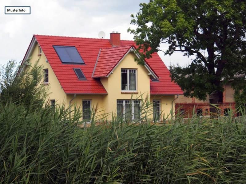 Zwangsversteigerung Einfamilienhaus in 37688 Beverungen, Am Goldberge
