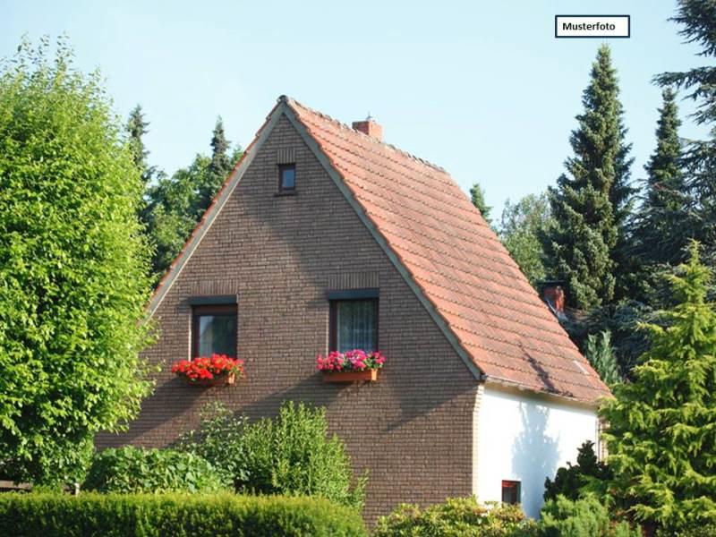 Zwangsversteigerung Zweifamilienhaus in 35274 Kirchhain, Steinstr.